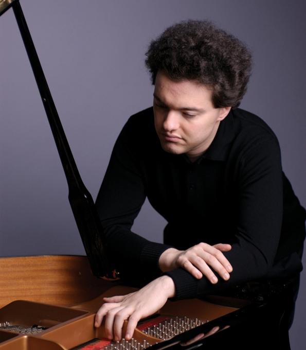 Evgeny Kissin at Isaac Stern Auditorium