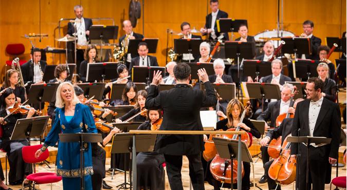 Vienna Philharmonic Orchestra: Adam Fischer - Beethoven & Bartok at Isaac Stern Auditorium