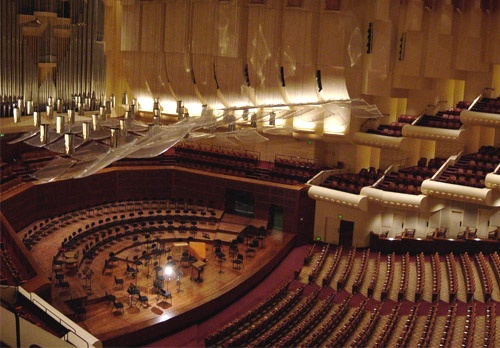 San Francisco Symphony: Michael Tilson Thomas - Thomas, Saint-Saens & Stravinsky at Isaac Stern Auditorium